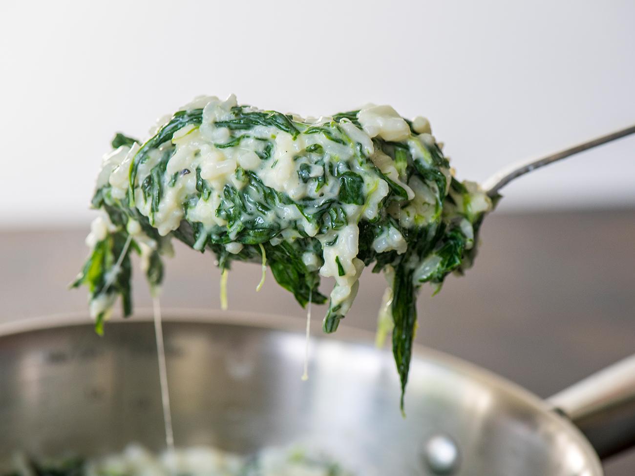 Cheesy Spinach Garlic Rice Horizontal 3