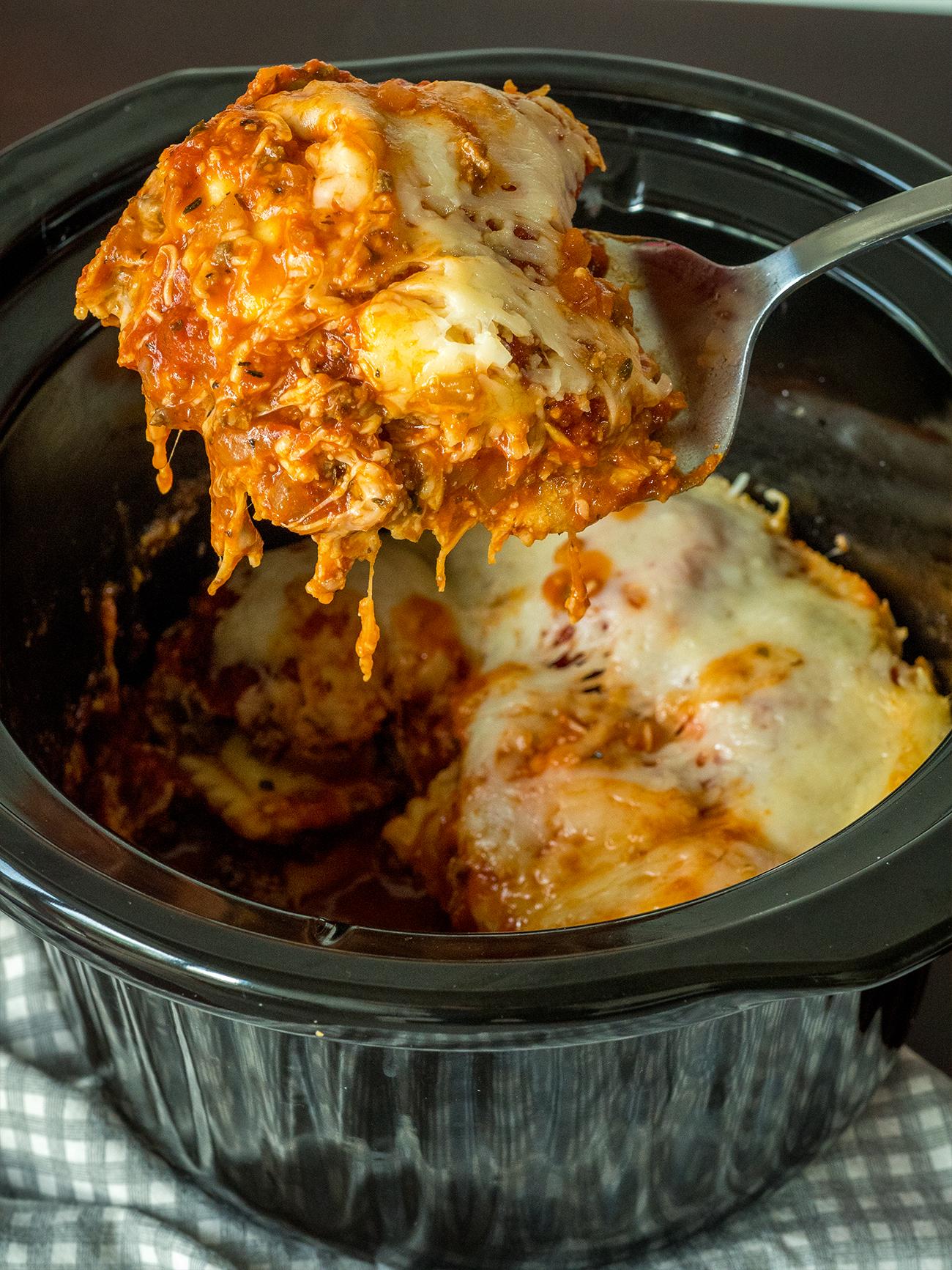 Slow Cooker Lasagna Vertical 2