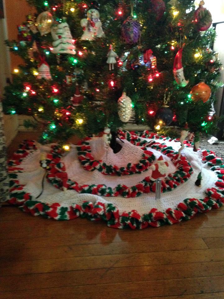 crochet tree skirt 9