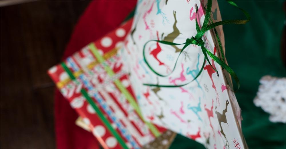 wrap presents 2