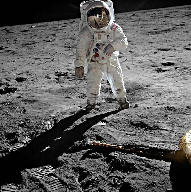 via NASA / Wiki Commons