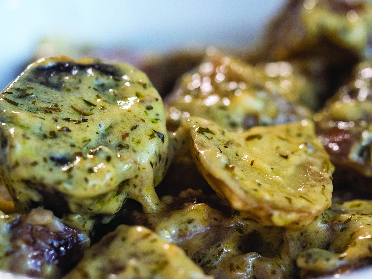 Creamy Slow Cooker Herb Potatoes Horizontal 3