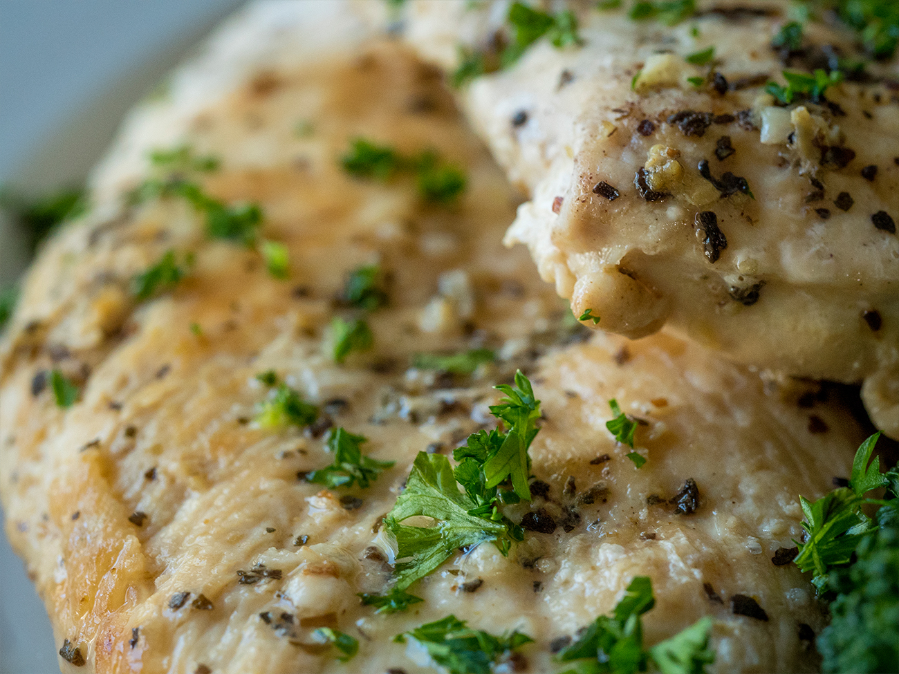 Slow Cooker Healthy Lemon Garlic Chicken Horizontal 6
