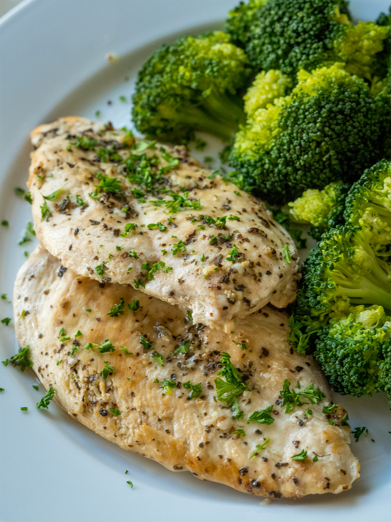 Slow Cooker Healthy Lemon Garlic Chicken Vertical 1