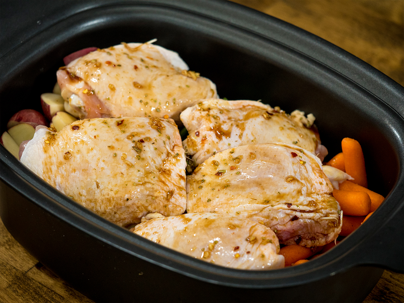 Slow Cooker Honey Garlic Chicken Horizontal 1