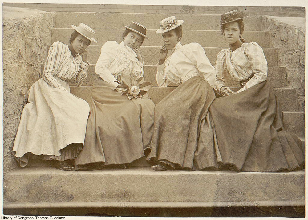 The Real Life Gibson Girls of the Day in Photographs