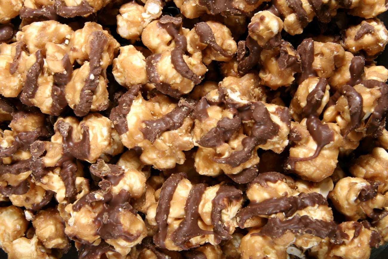 Chocolate and Carmel Drizzled Popcorn