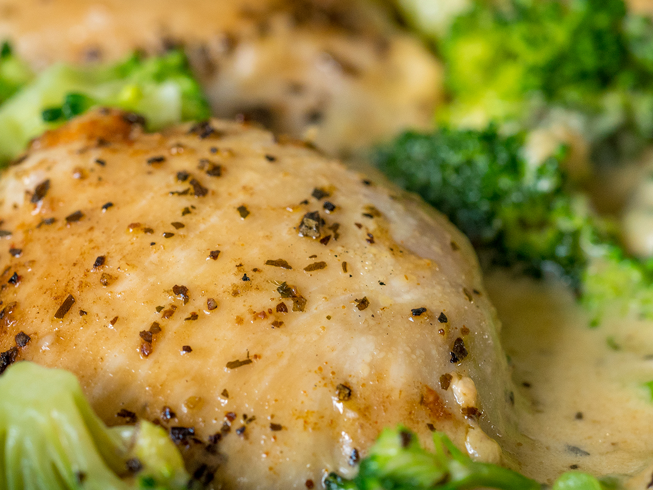 Creamy Chicken Broccoli Skillet Horizontal 2