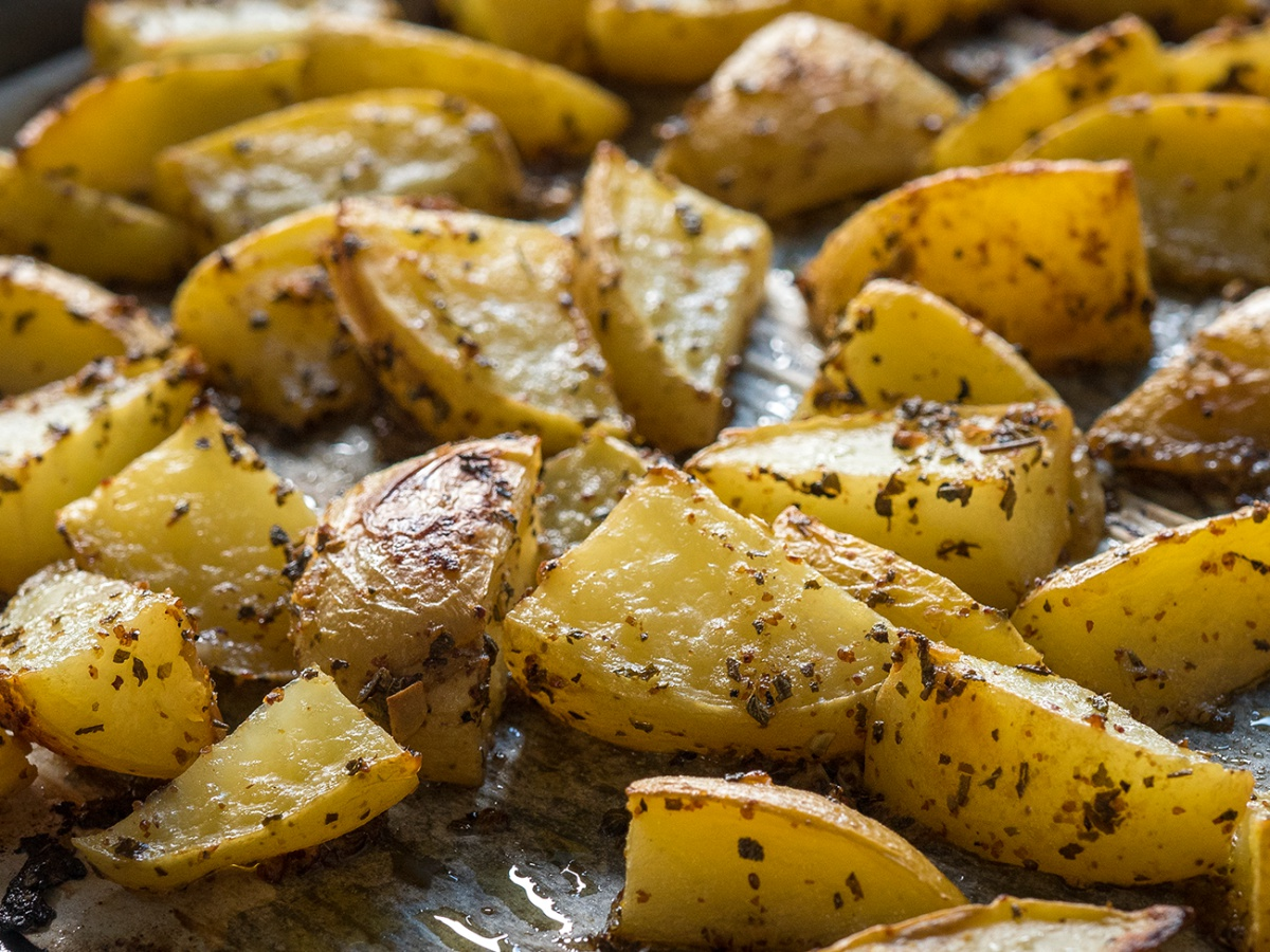 Greek Lemon Garlic Roasted Potatoes Horizontal 1