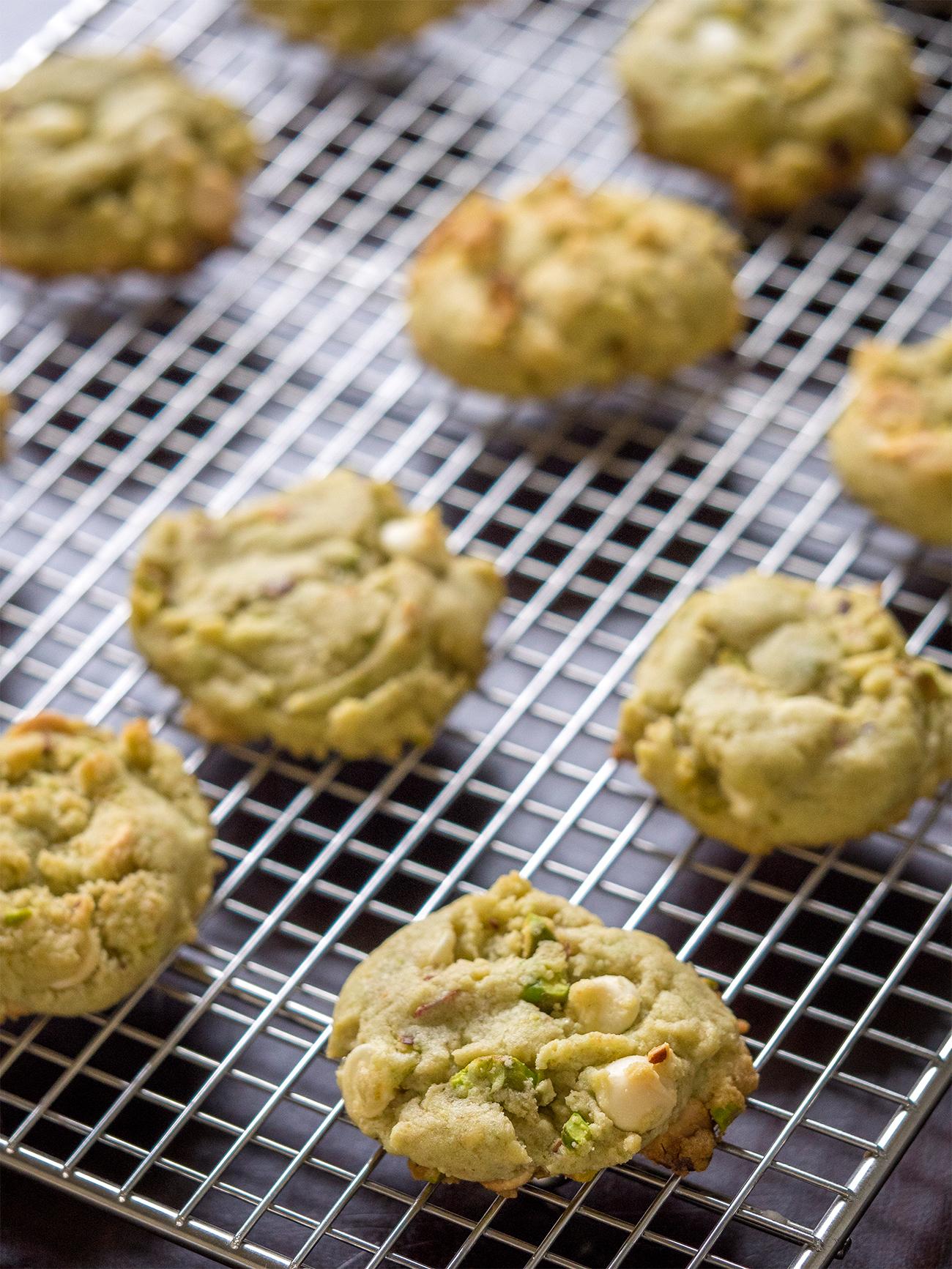 Pistachio Cookies Vertical 1