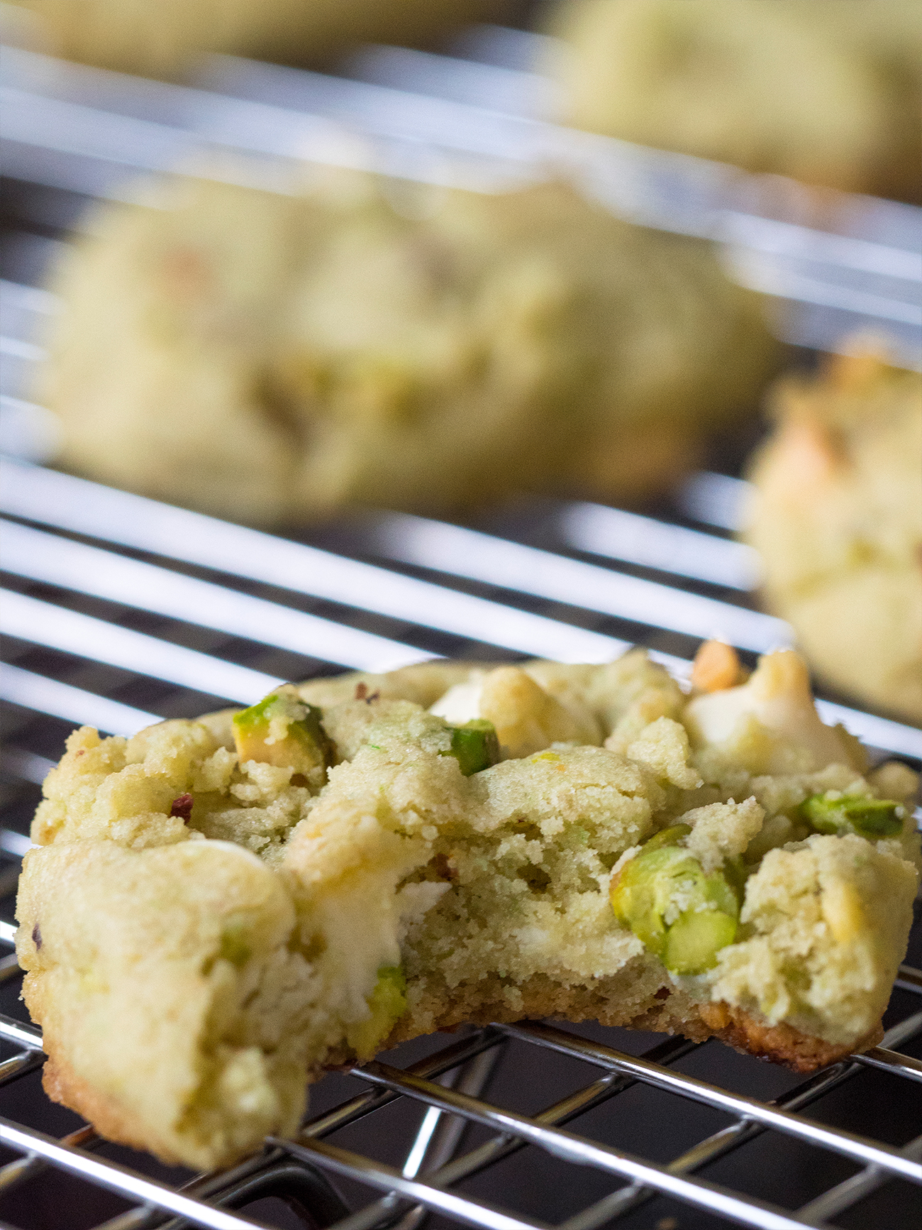 Pistachio Cookies Vertical 3
