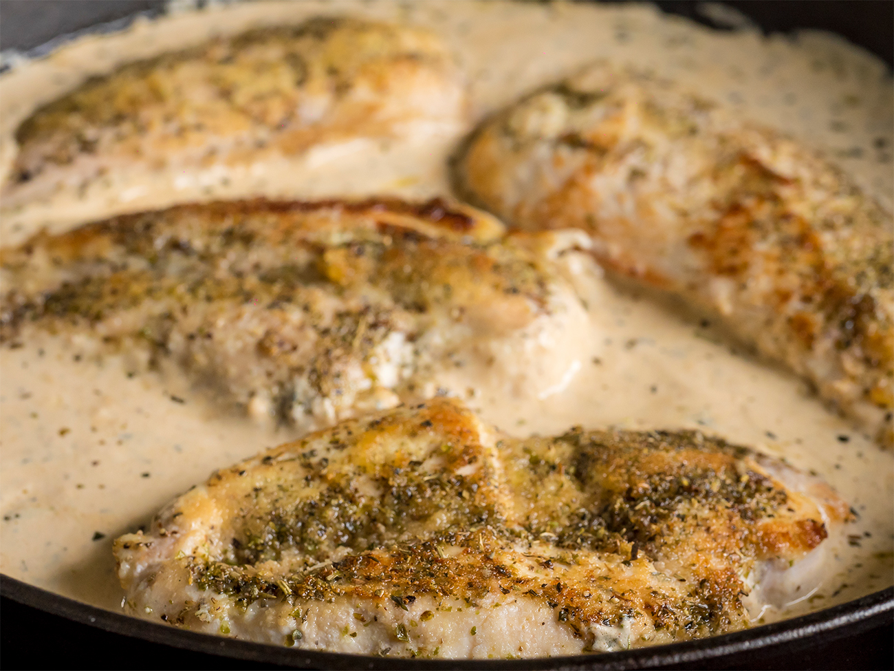 Creamy Herbed Chicken Skillet Horizontal 1