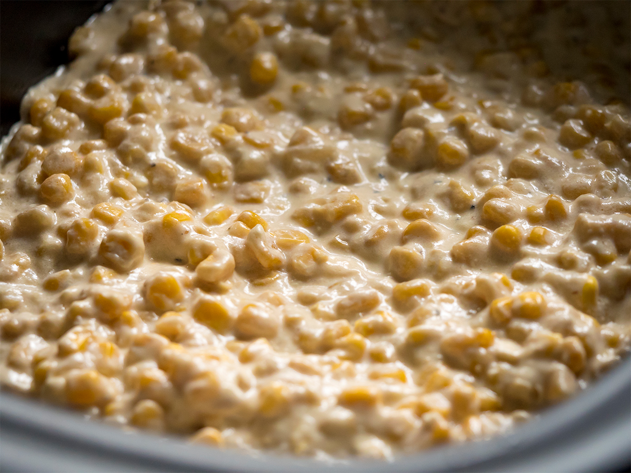 Slow Cooker Creamed Corn Horizontal 1