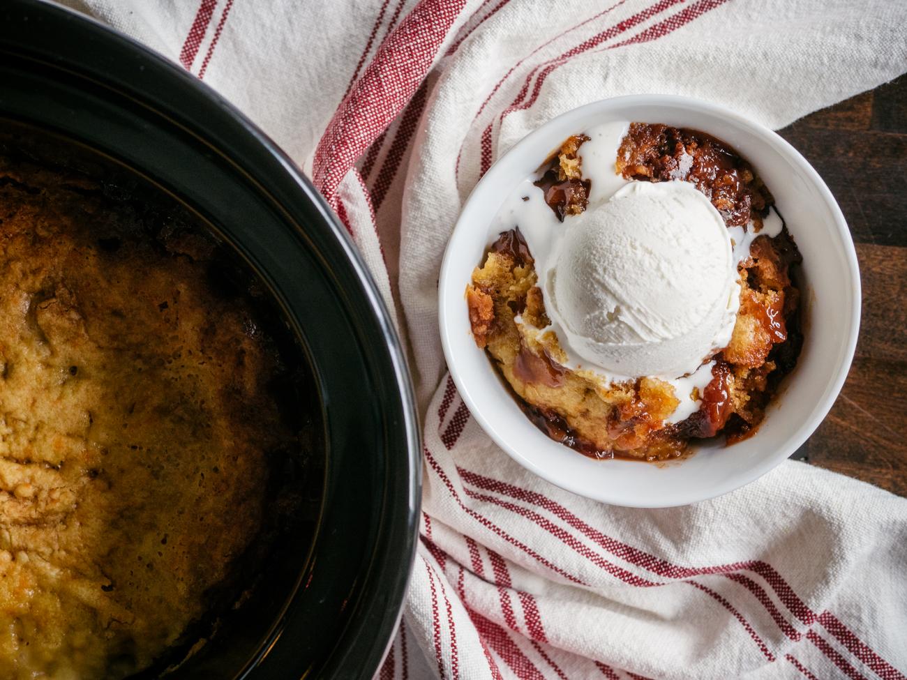 Slow Cooker Peach Cobbler Horizontal 4
