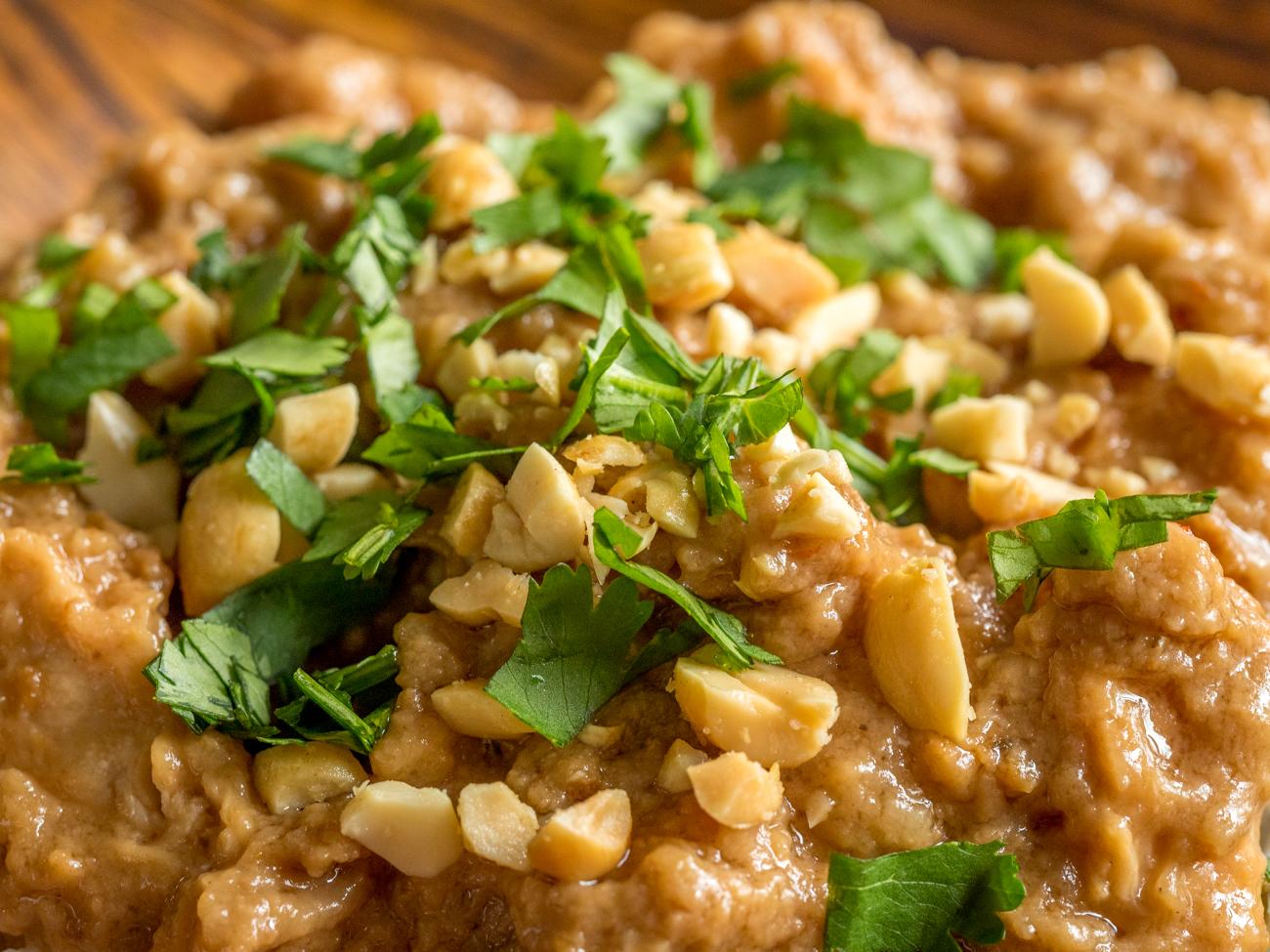Slow Cooker Thai Peanut Chicken Horizontal 2