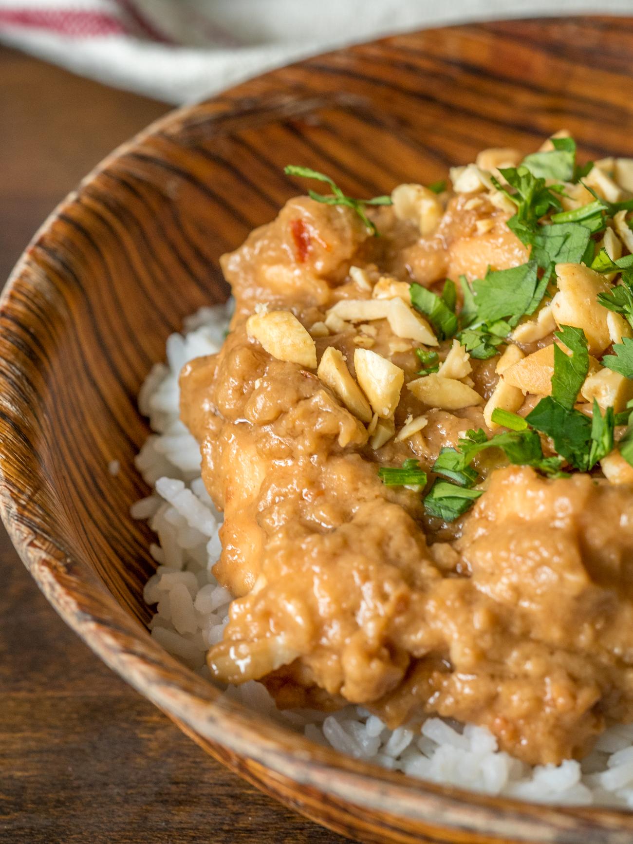 Slow Cooker Thai Peanut Chicken Vertical 3