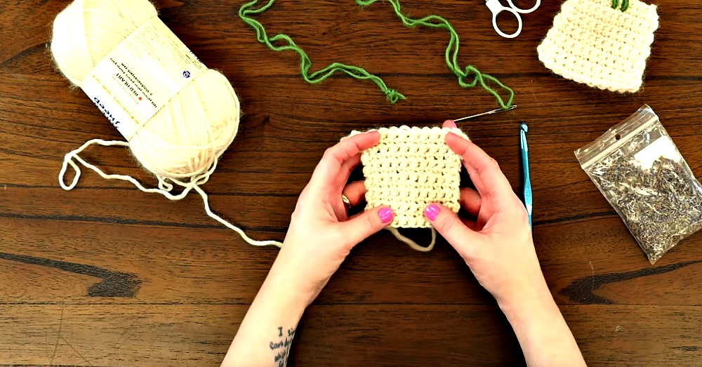 crochet-lavender-sachet-2