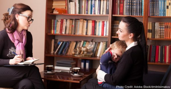 child psychologist the mother with child