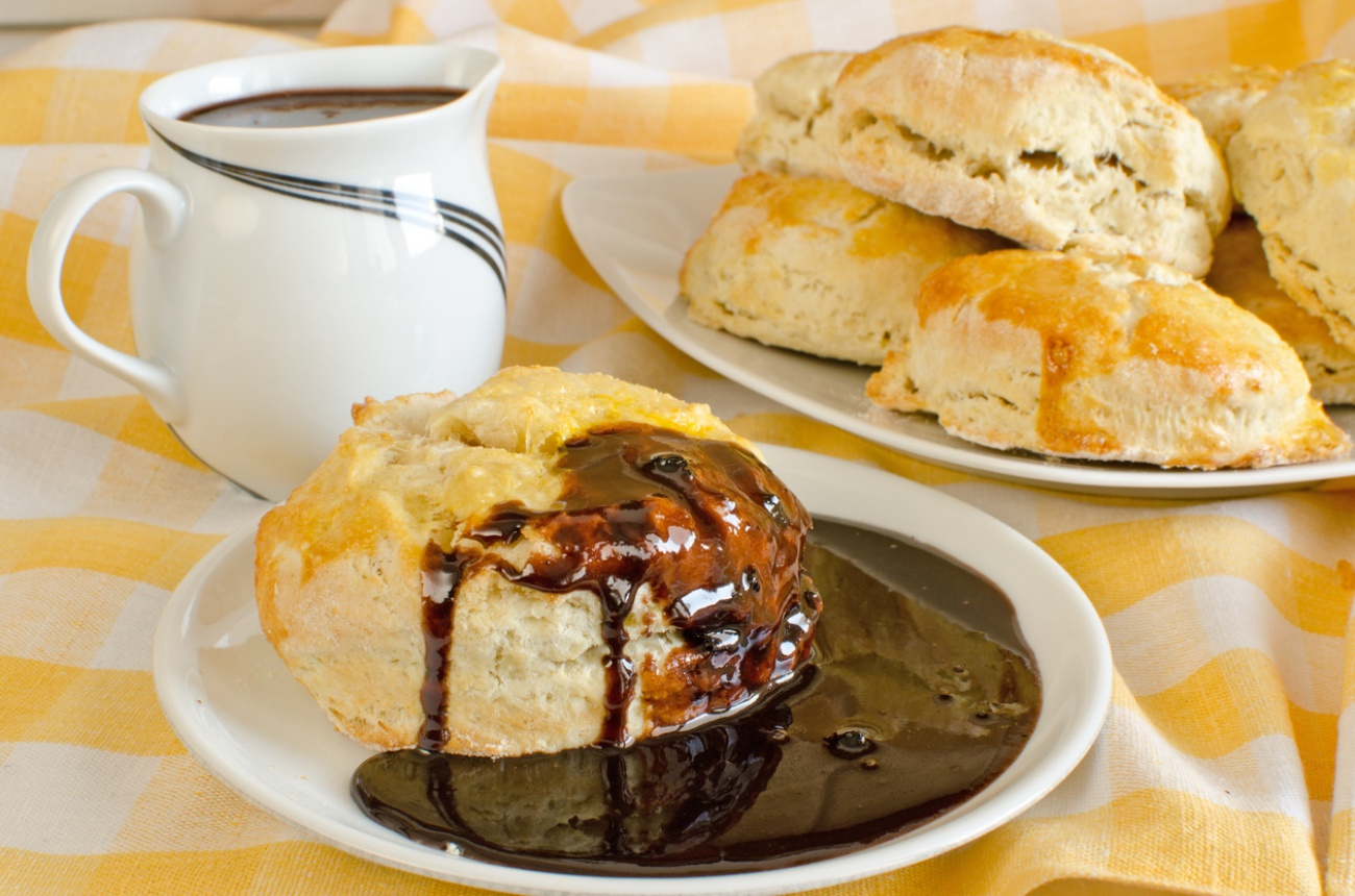 Biscuit with chocolate sauce