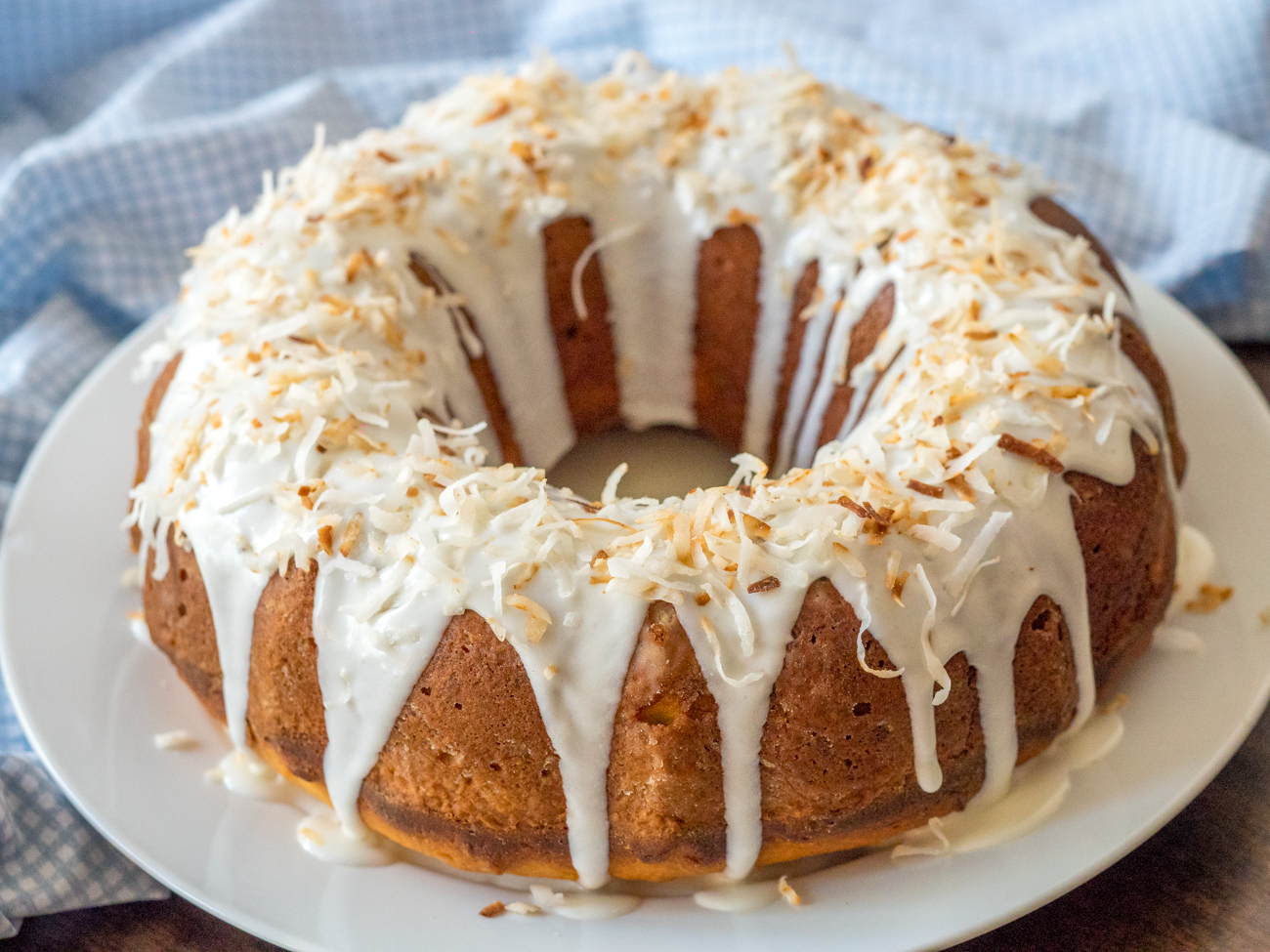 Coconut Bundt Cake Horizontal 2