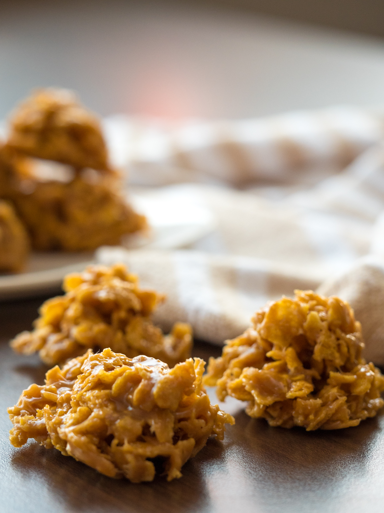 Peanut Butter Corn Flake Cookies Vertical 6