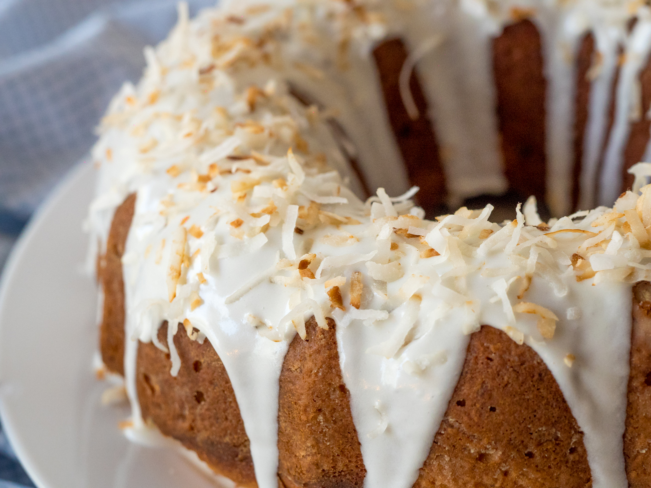 Sour Cream Coconut Bundt Cake Horizontal 1