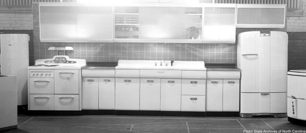 Vintage Kitchen Decor Ideas We Need To Bring Back