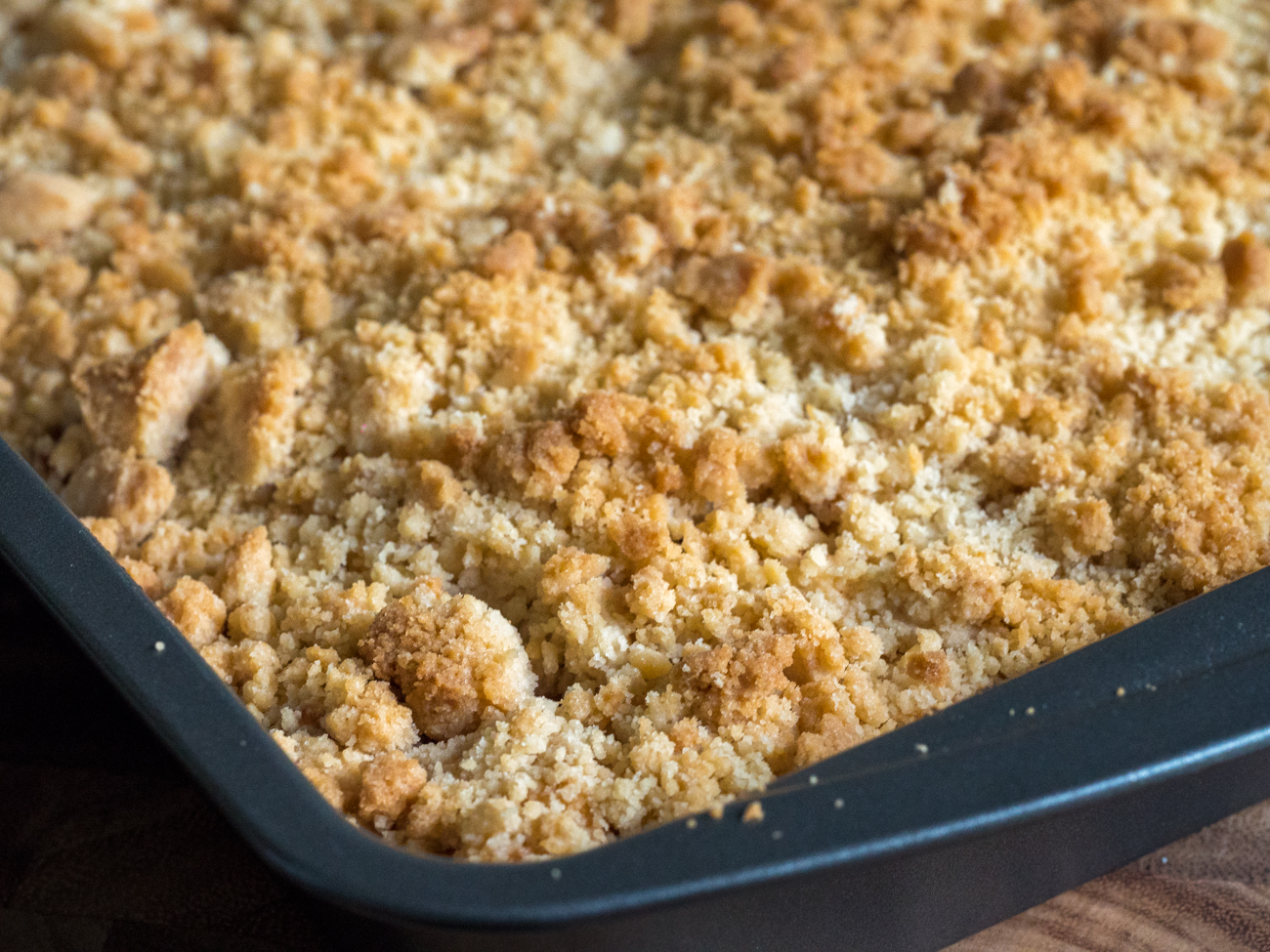 Apple Streusel Sheet Cake Horizontal 1