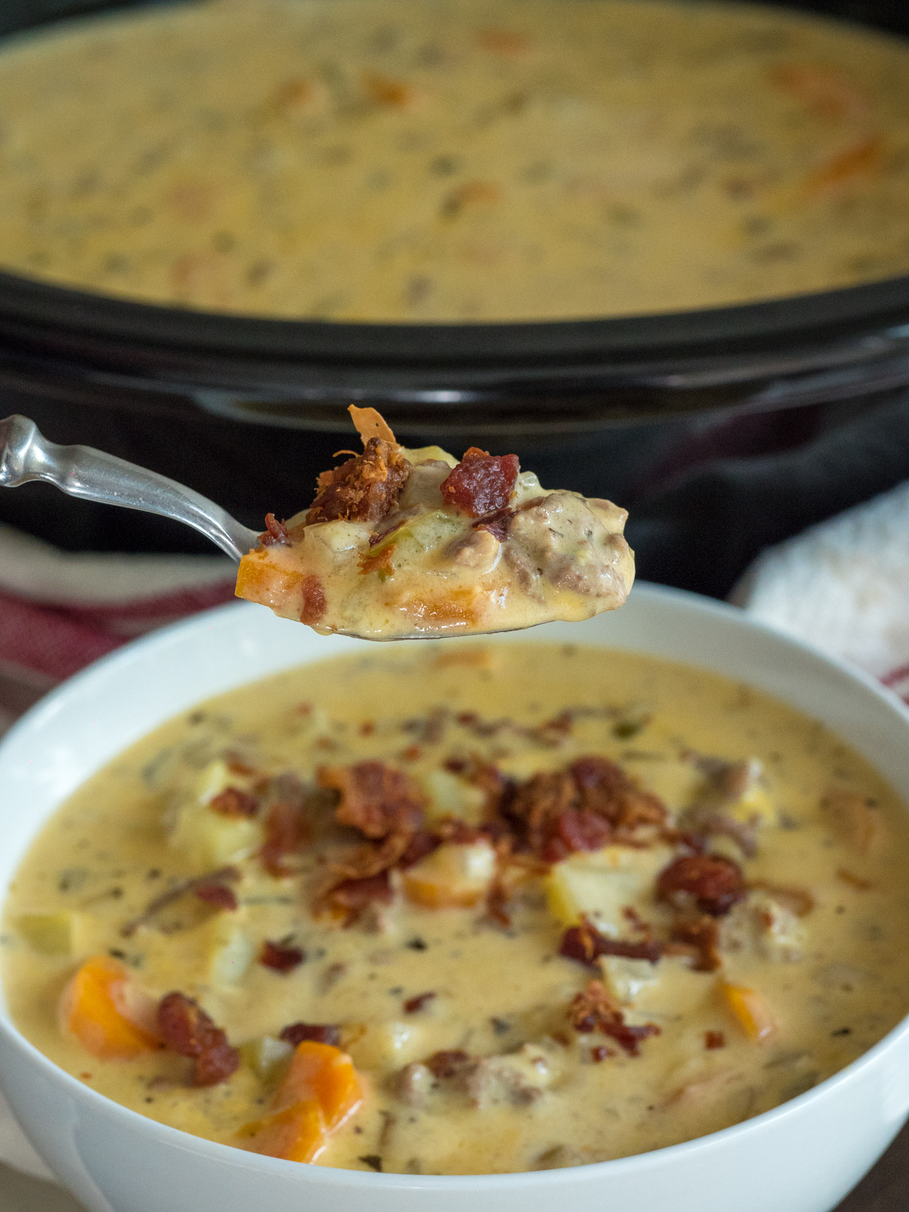 Creamy Slow Cooker Cheeseburge Soup Vertical 4