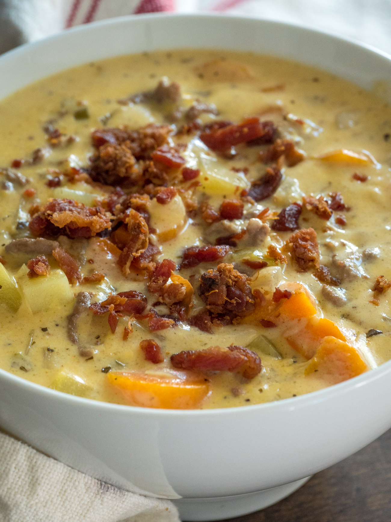 Creamy Slow Cooker Cheeseburge Soup Vertical 5