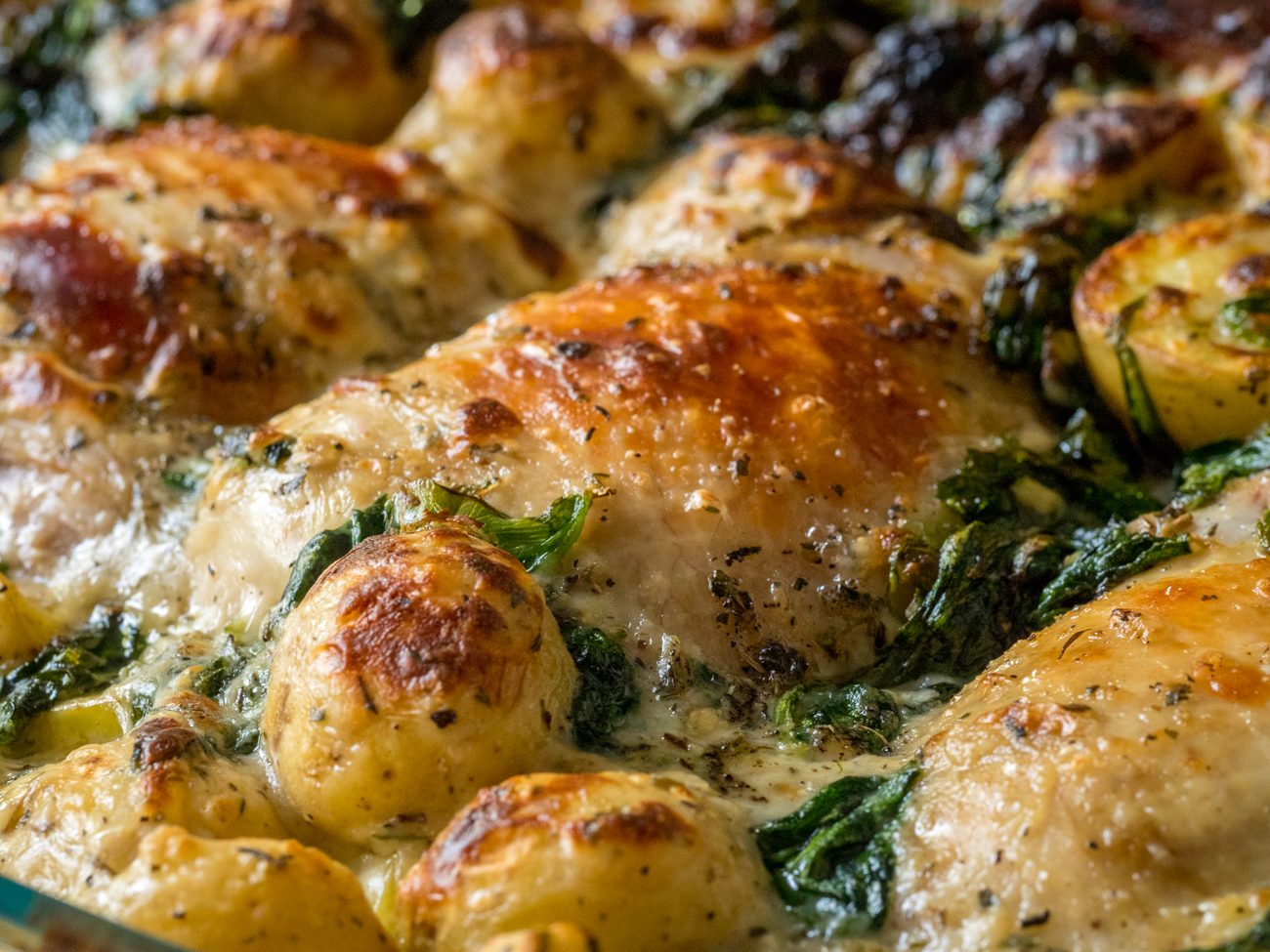 Garlic Parmesan Chicken and Potatoes Horizontal 3