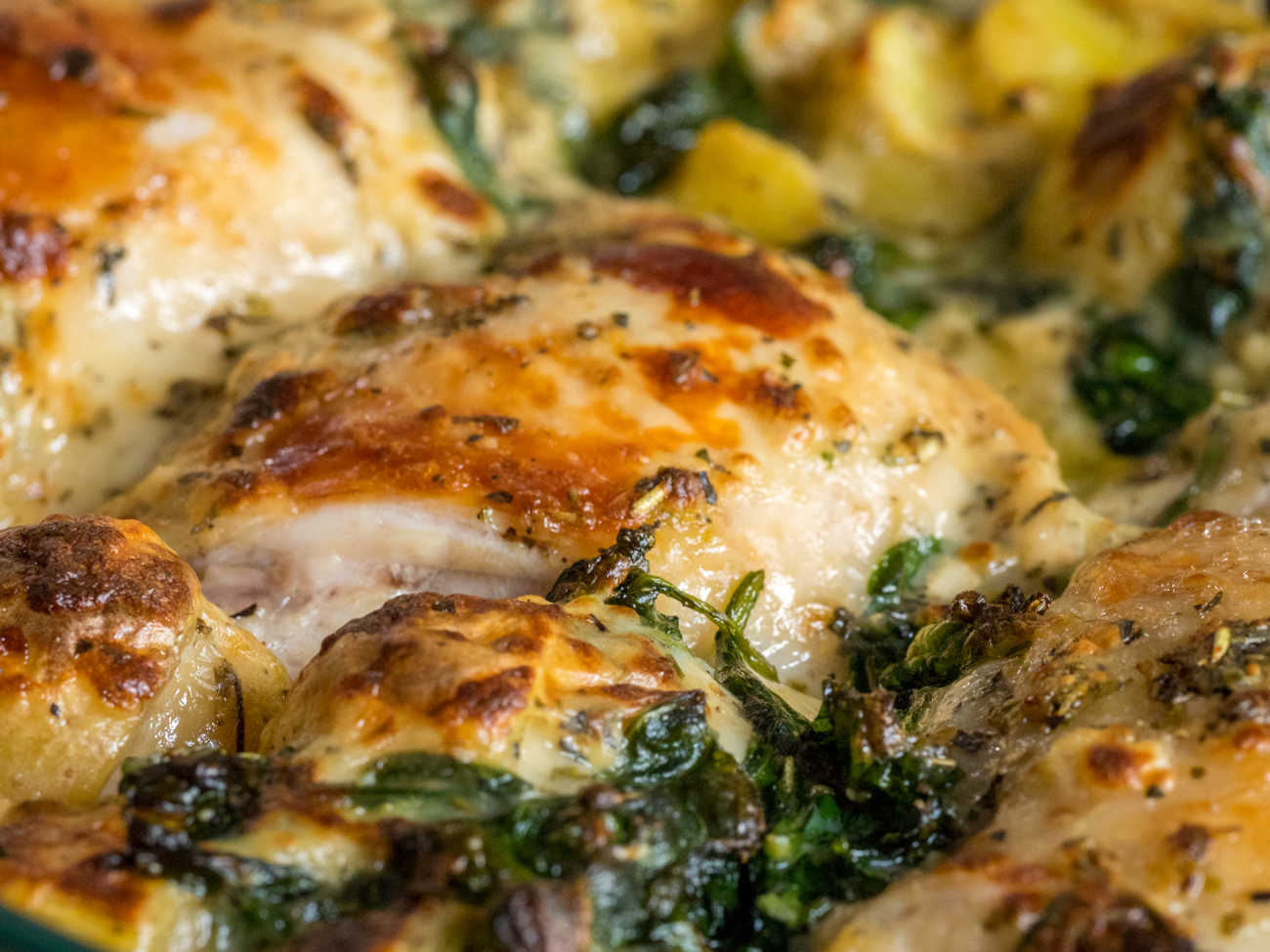 Garlic Parmesan Chicken and Potatoes Horizontal 4