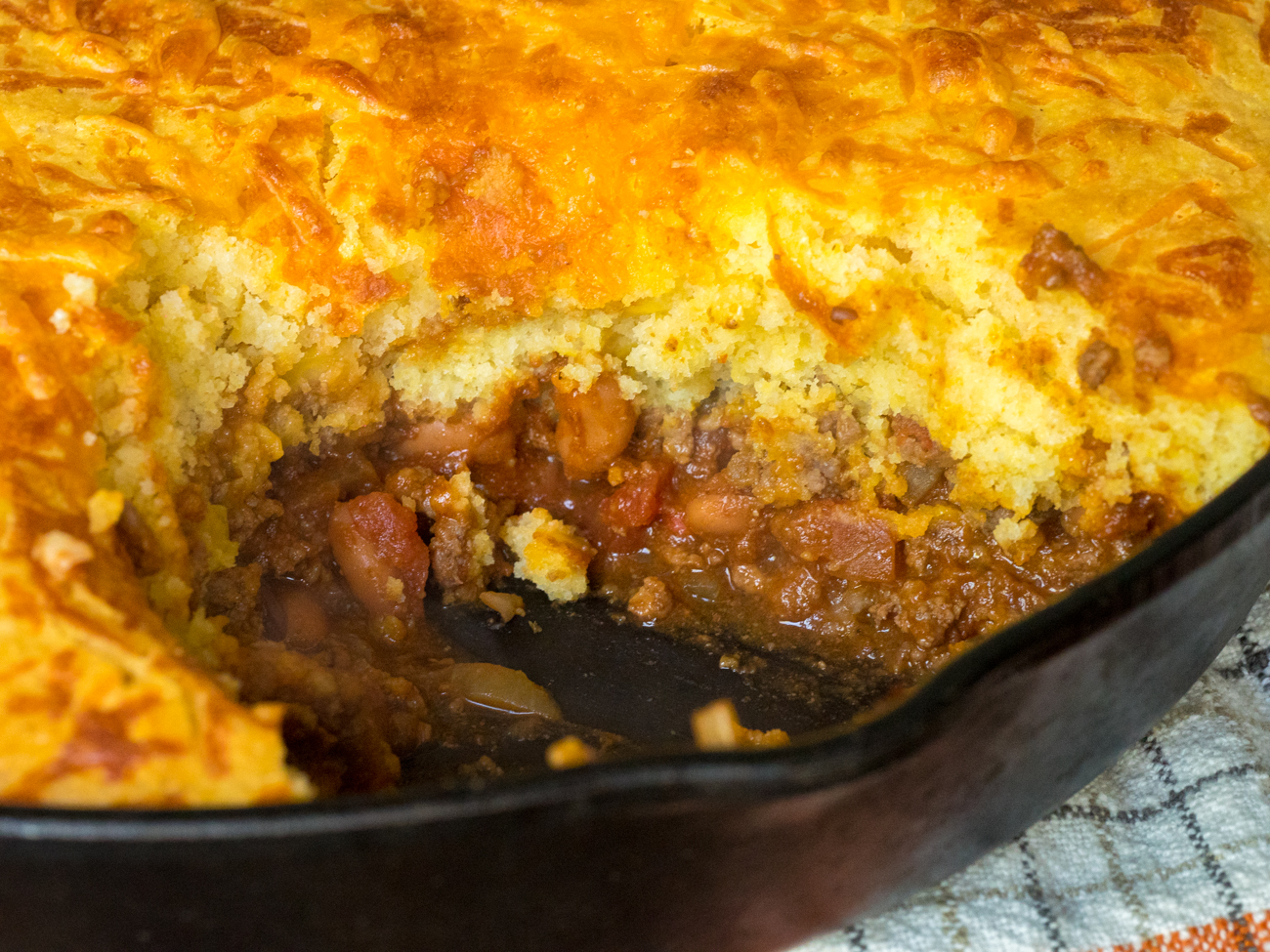 Skillet Chili Cornbread Pot Pie Horizontal 3