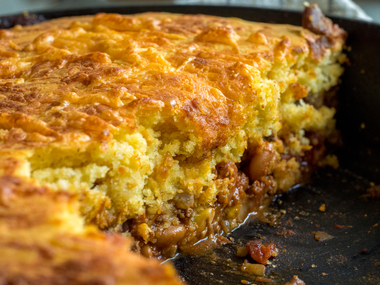 Skillet Chili Cornbread Pot Pie Horizontal 4