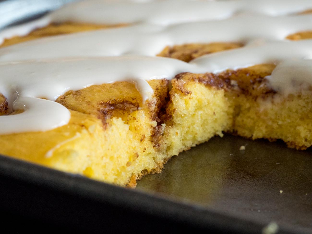 Cinnamon Roll Sheet Cake Horizontal 5