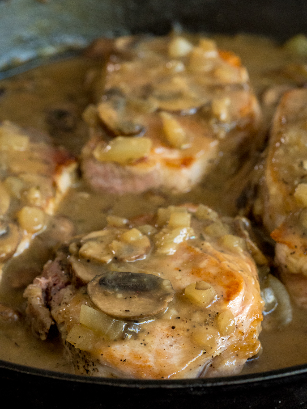 Mushroom Gray Pork Chops Vertical 2