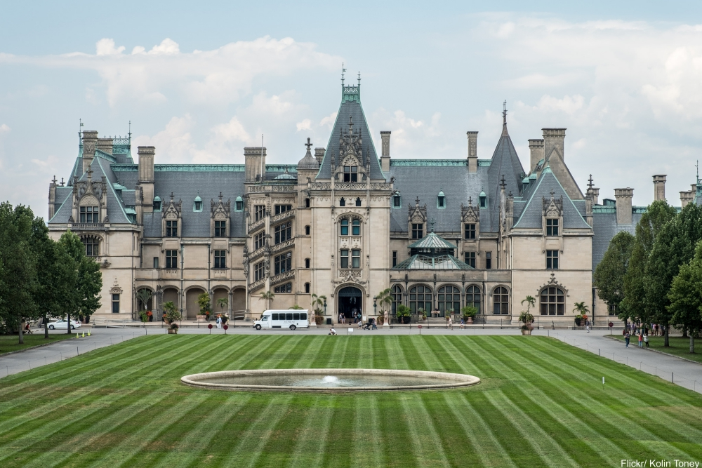 See Inside the Charming and Massive Biltmore Estate- Exterior