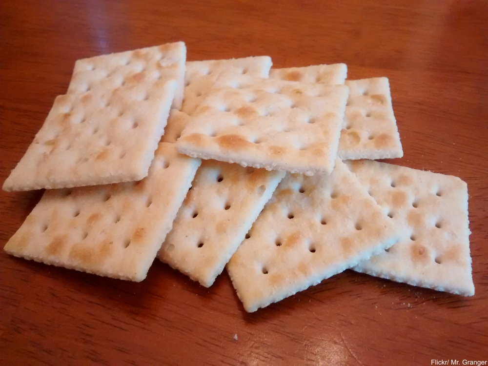 9 Ingenious Recipes Using Crackers from the Great Depression
