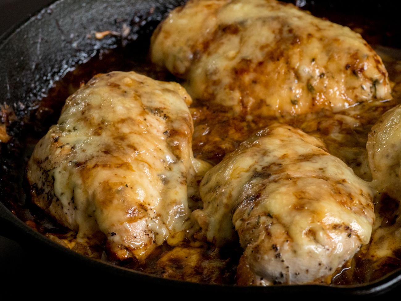 french_onion_chicken_skillet_horizontal_1