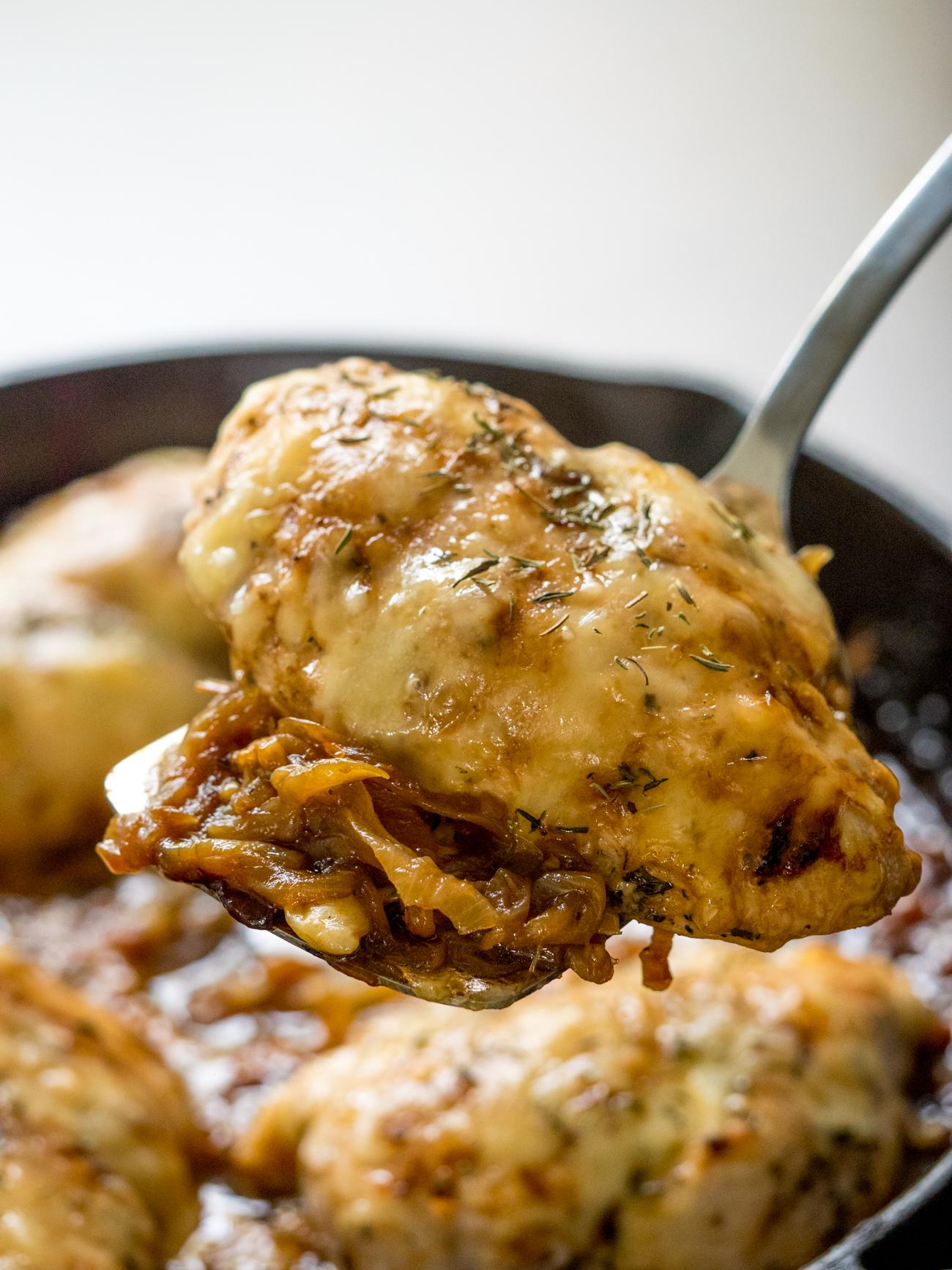 french_onion_chicken_skillet_vertical_4