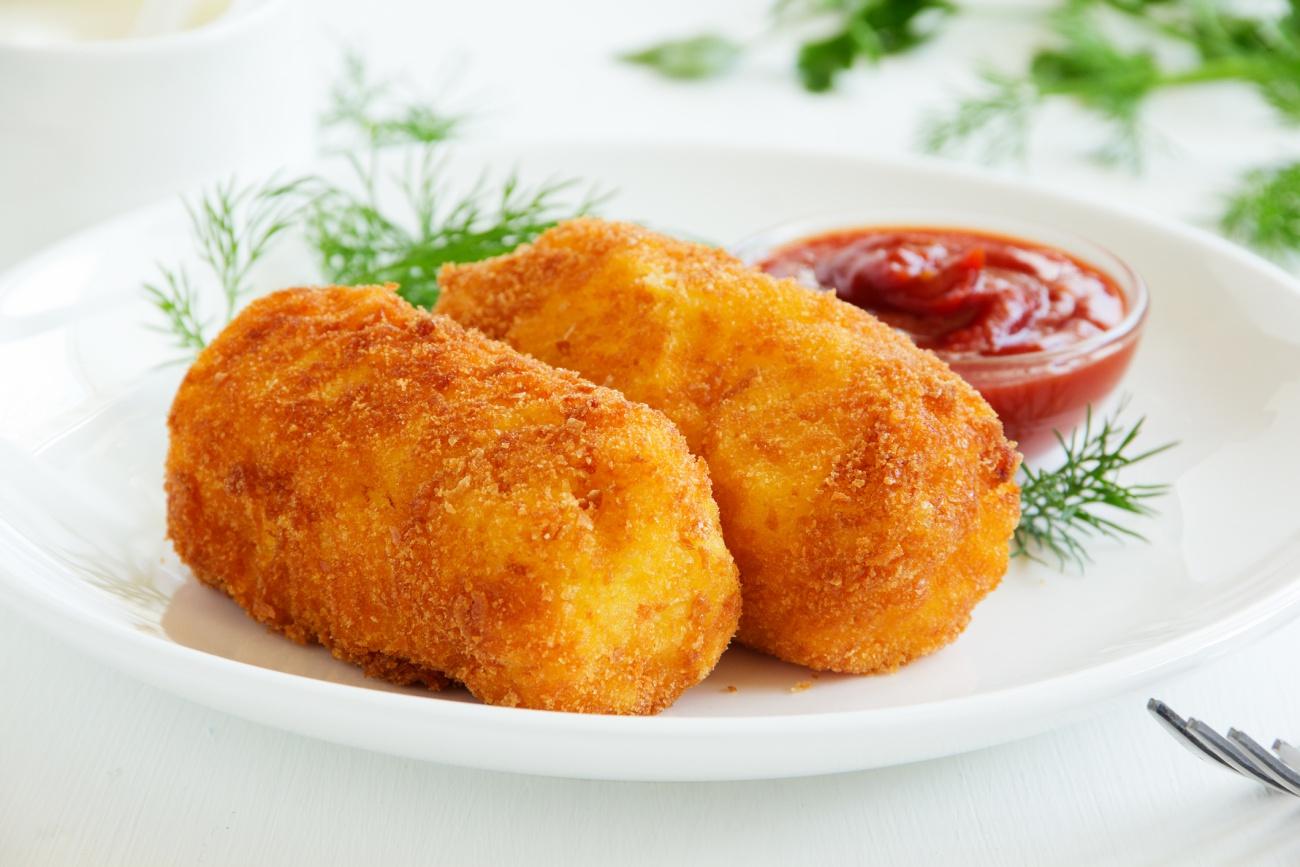 Potato croquettes with mozzarella.