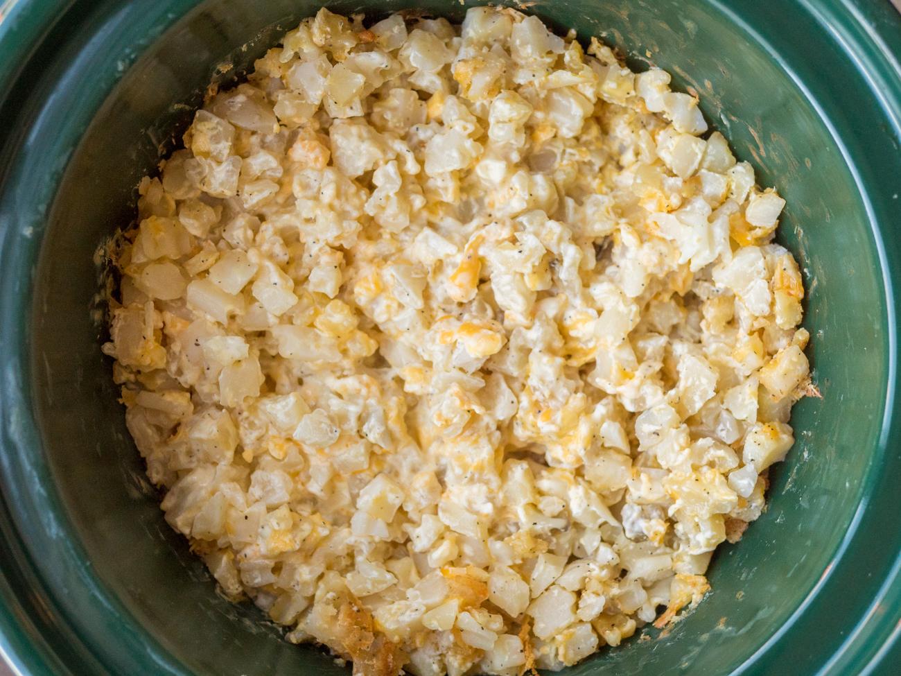 Cheesy Slow Cooker Potatoes Horizontal 3