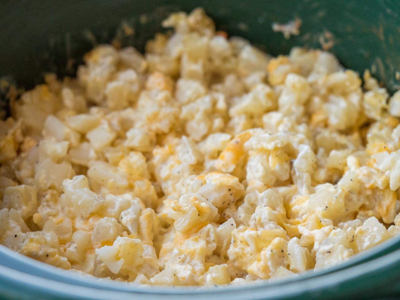 Cheesy Slow Cooker Potatoes Horizontal 5