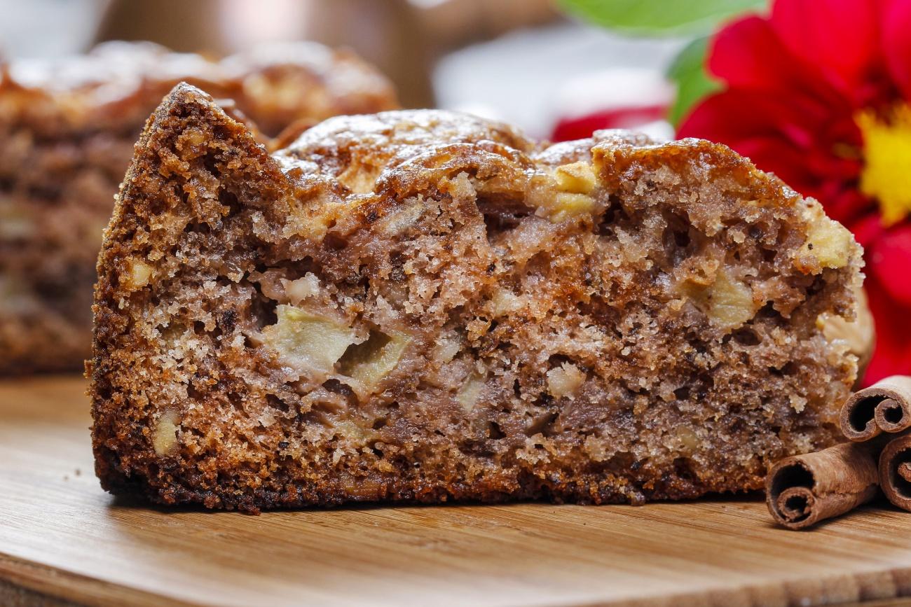 Cinnamon Apple Cake 1