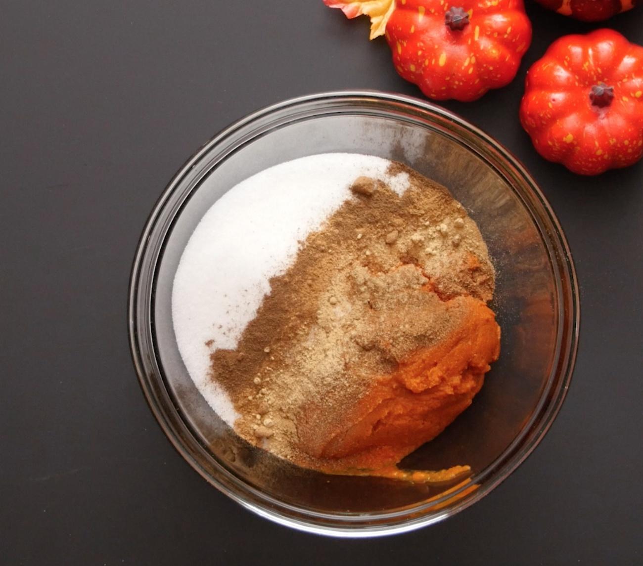 Pumpkin Dump Cake 4
