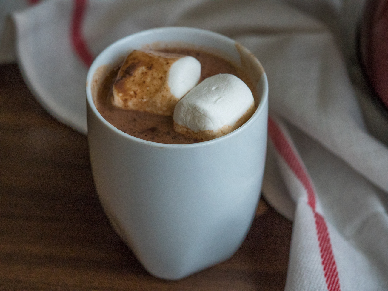 Slow Cooker Hot Chocolate Horizontal 1