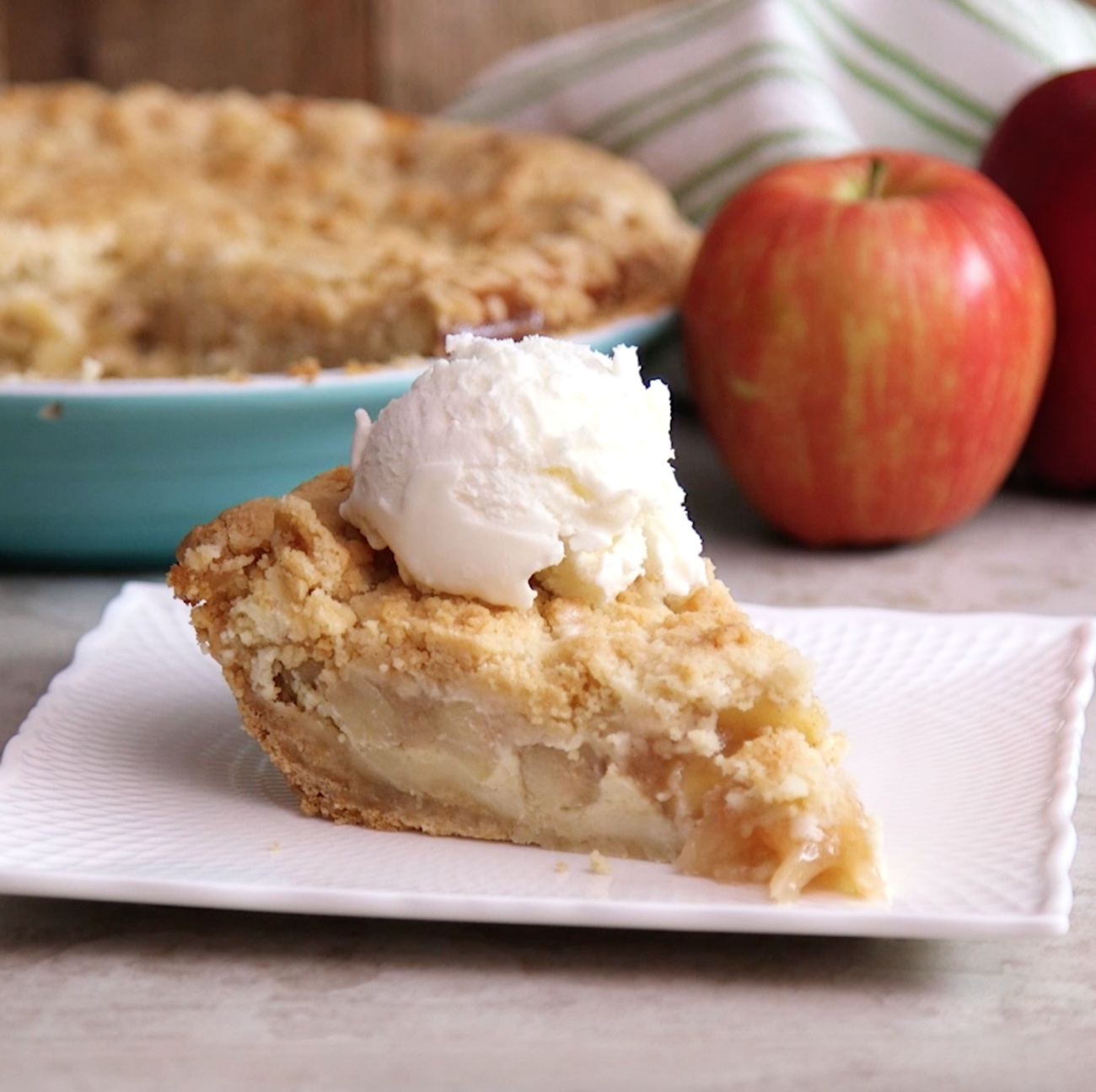 Snickerdoodle Apple Pie 2
