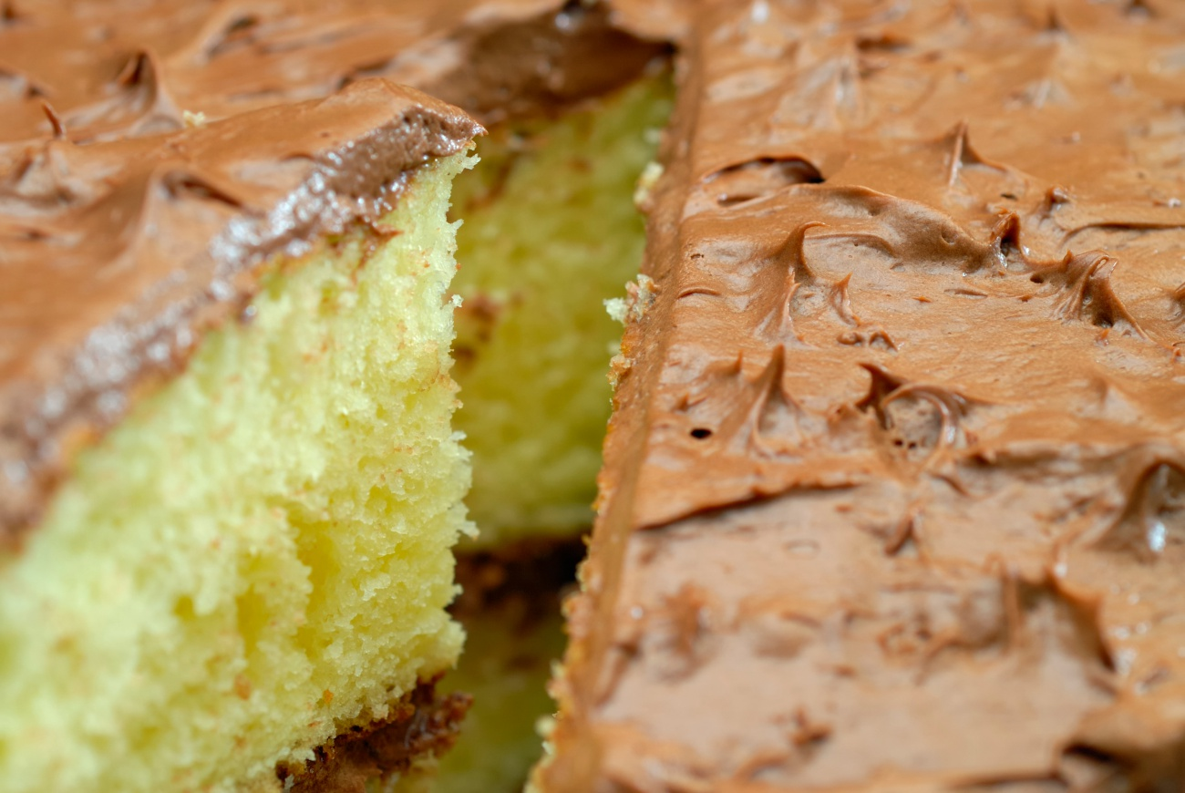 French vanilla cake with chocolate frosting