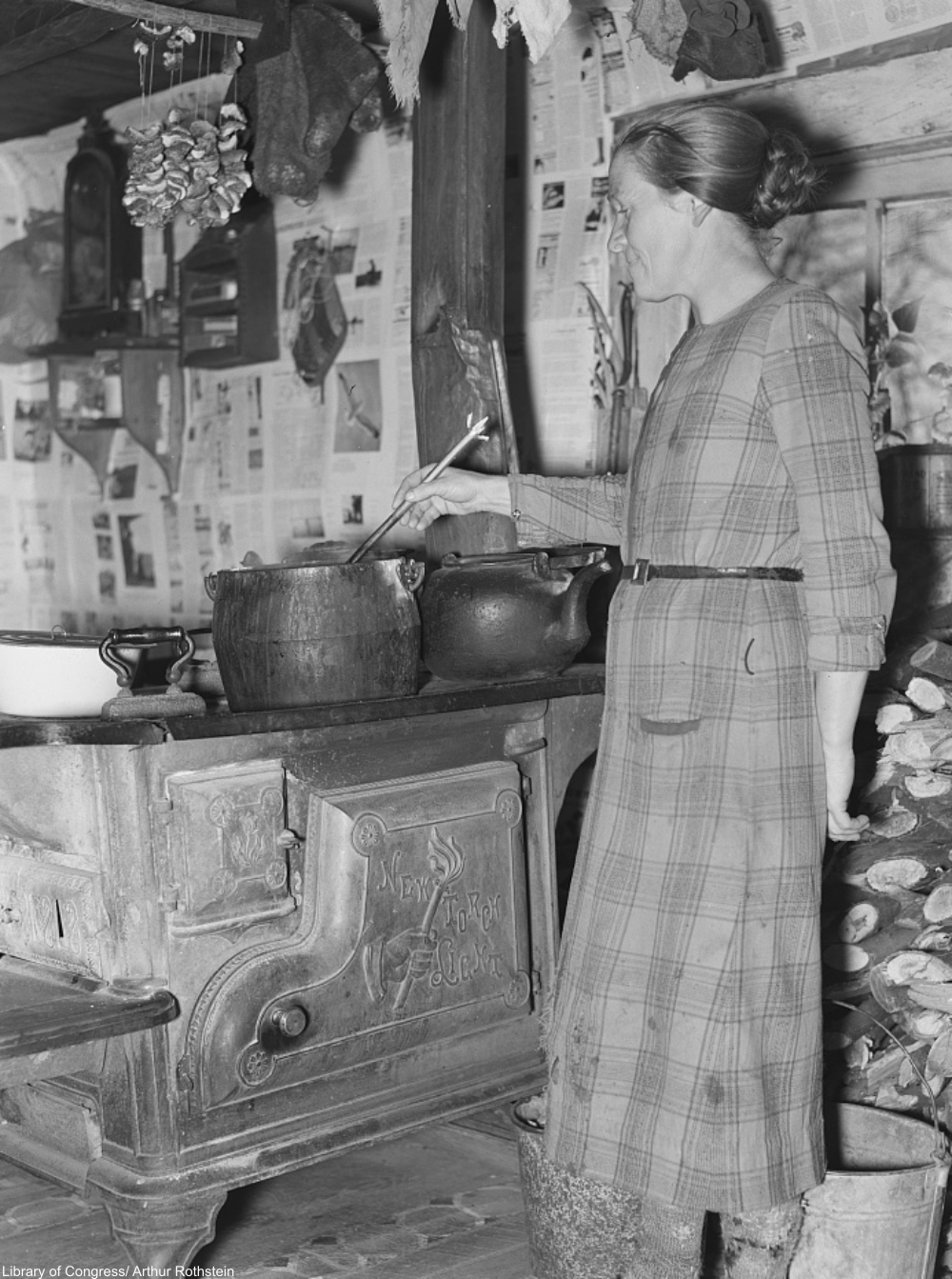 making soup in the 1930s