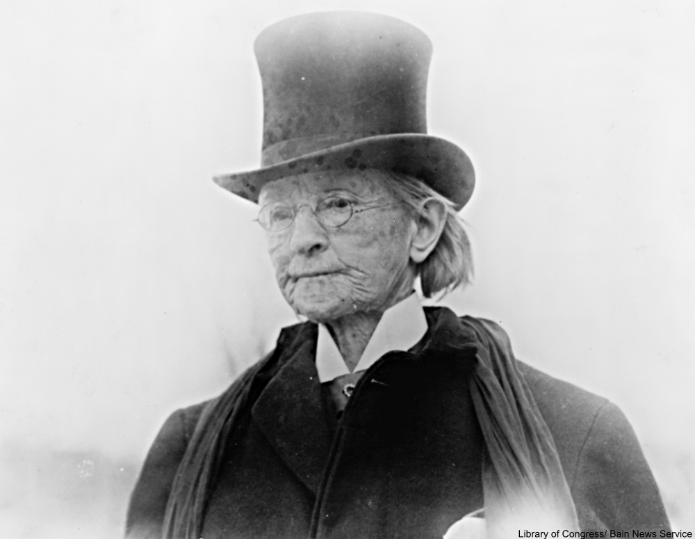 Mary Walker often wore a top hat among other men's clothes